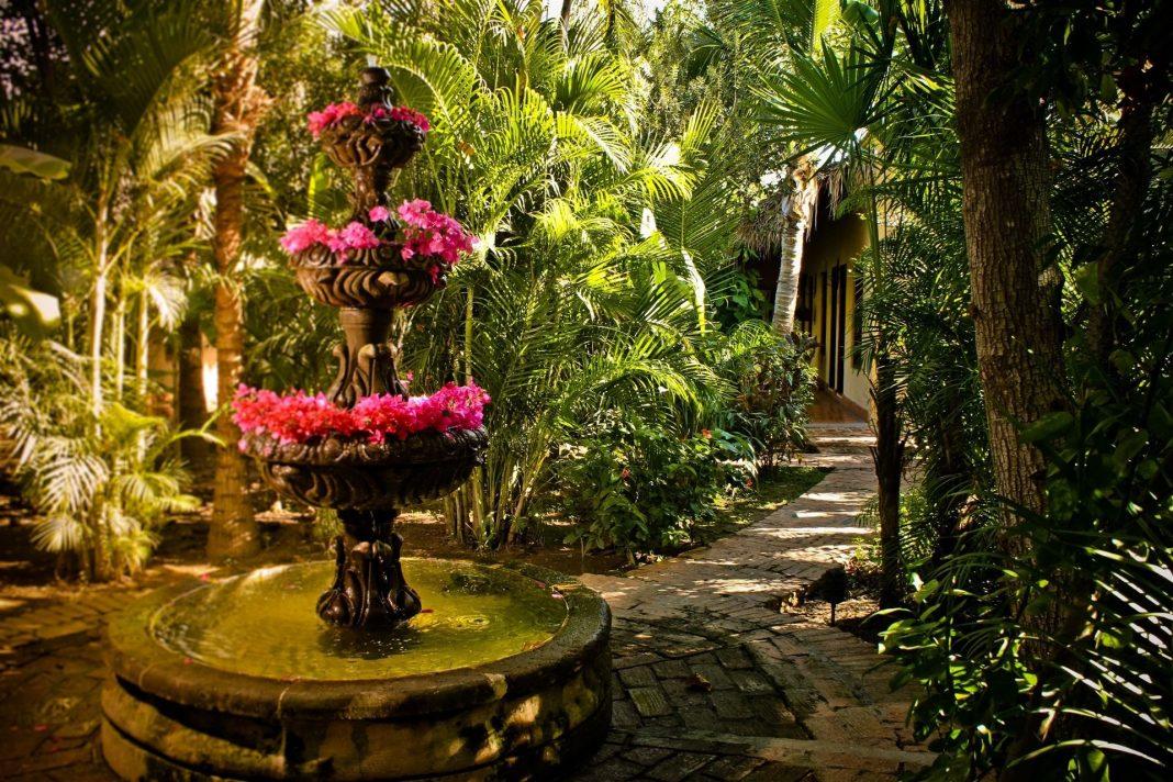 Beautiful Gardens Hotel Posada del Hidalgo