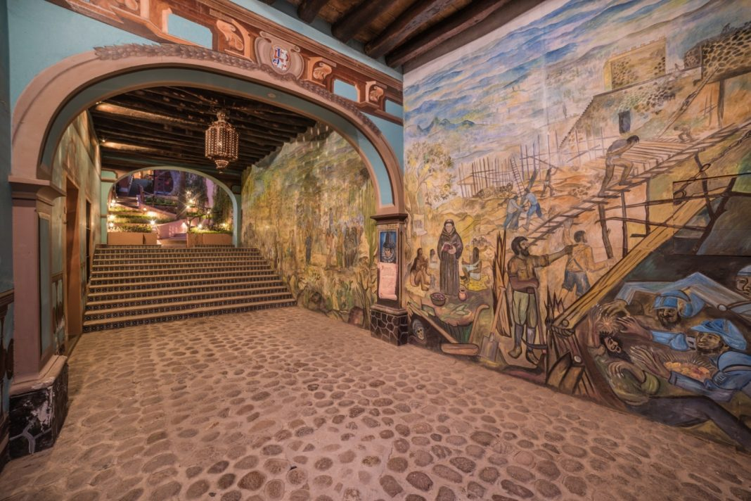 Murals El Fuerte Copper Canyon